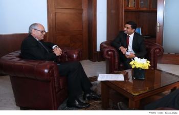 High Commissioner meeting  the Minister of Finance of Malta, H.E.Prof. Edward Scicluna, on 20th March, 2018.