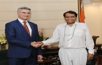 Shri Suresh Prabhu, Minister of Commerce & Industry of India, and Minister of Foreign Affairs and Trade Promotion of Malta, Mr.CarmeloAbela, meeting in New Delhi (March 5, 2018).