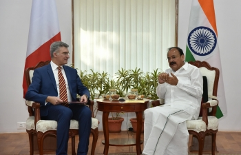 Vice President of India, Shri M. Venkaiah Naidu, receiving Minister of Foreign Affairs and Trade Promotion of Malta, Mr.CarmeloAbela (March 5, 2018)